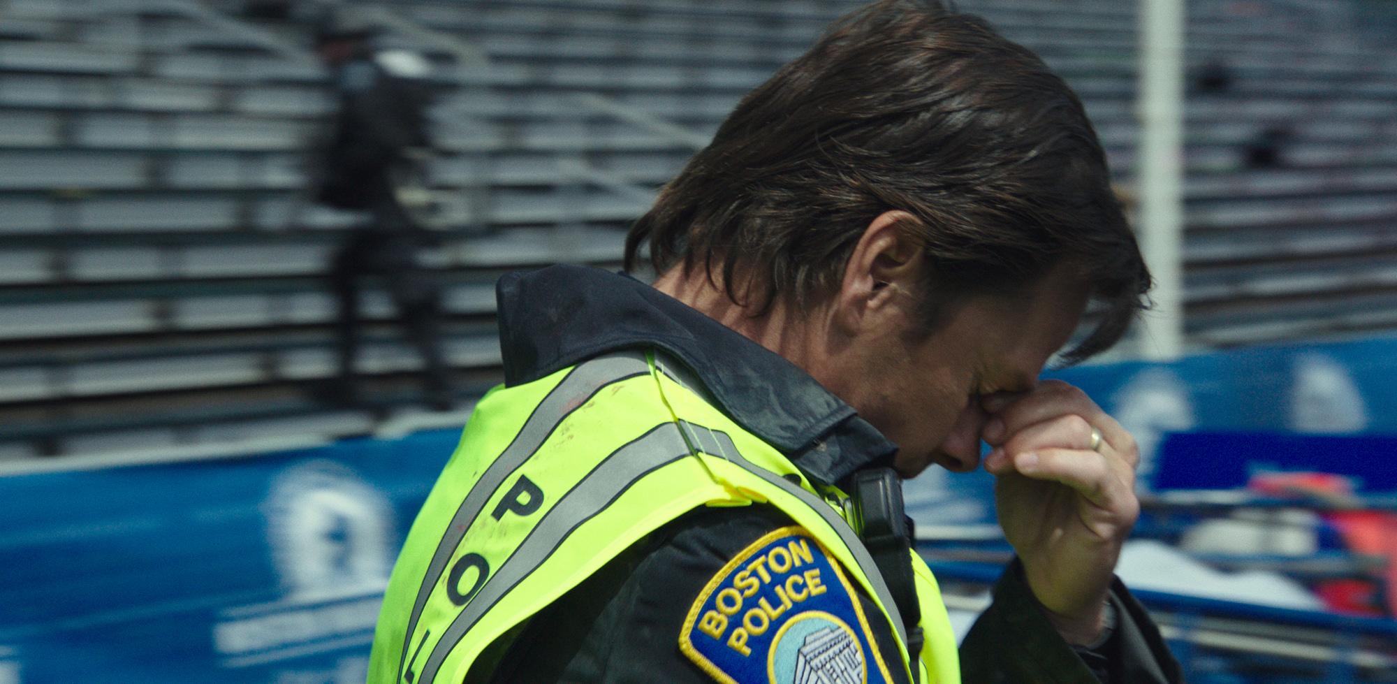 Boston - Caccia all'uomo di Peter Berg, la recensione. Con Mark Wahlberg,  Kevin Bacon, John Goodman