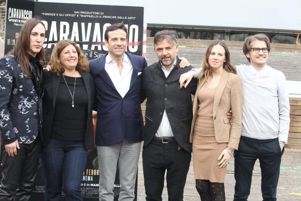 Il cast con il regista Jesùs Garcès Lambert