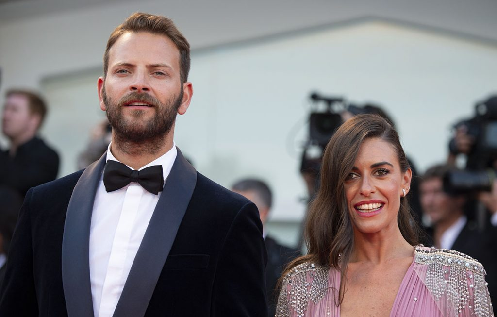 Alessandro Borghi e sua moglie