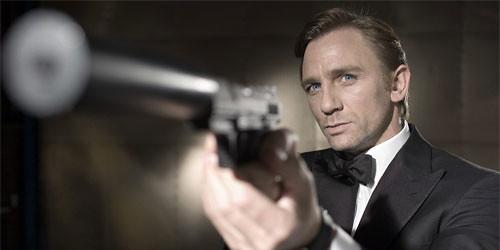 Oggi in tv, il primo 007 di Craig